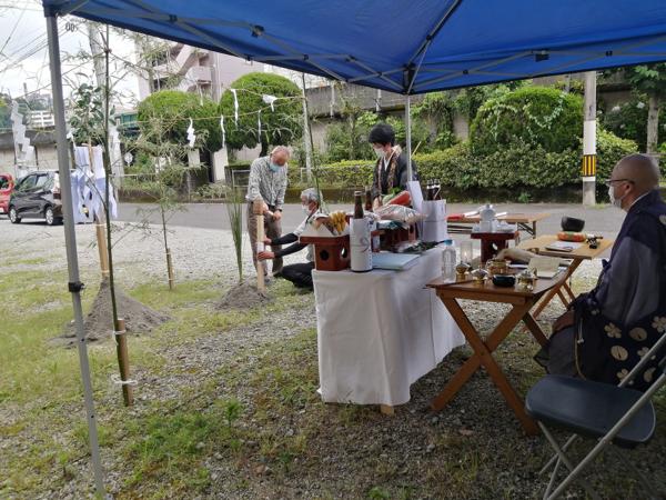 先日地鎮祭を行いました。